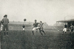 Woolwich_Arsenal_v._Newcastle_United,_April_1906